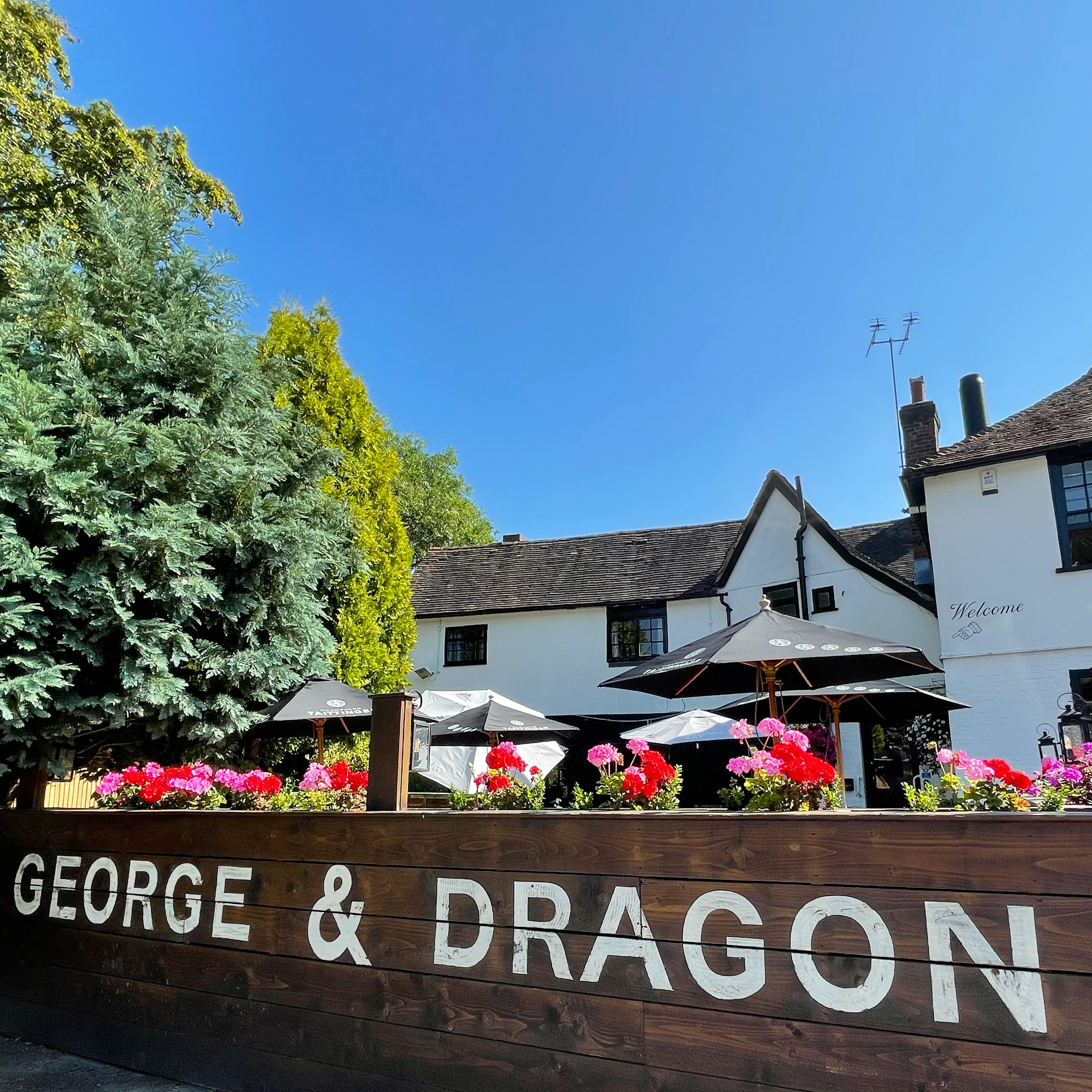George and Dragon Ightham garden terrace